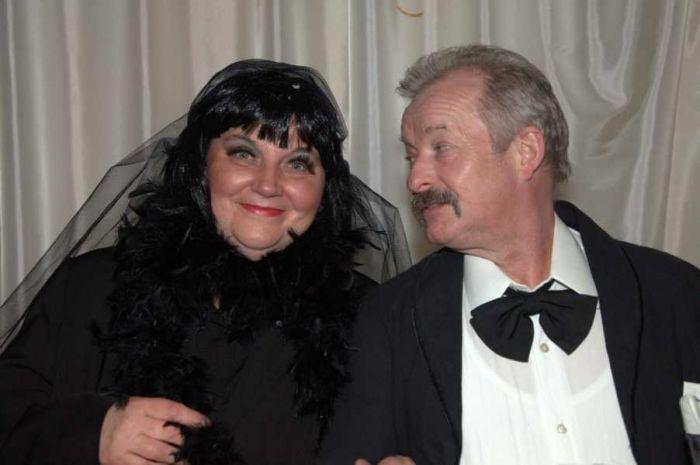Unsere Schwarze Witwe Ines mit ihrem treuen Buttler Herbert