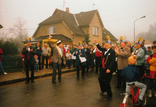 phoca_thumb_l_umzug 11.11.1990